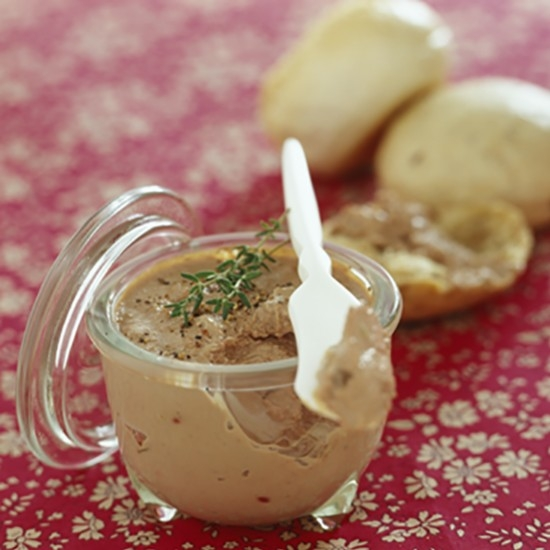 Chicken liver mousse with currants
