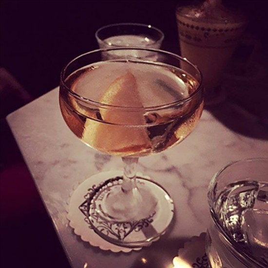 Genepi Fizz par Matthew Long, Head Bartender du Lulu White Bar (Paris)