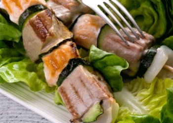 Anisette-flavored tuna skewers