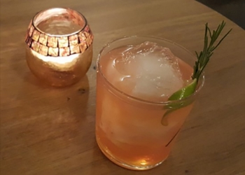 Provence Old Fashionned  par Romain Tritsch barman au Eat Me Lausanne, Suisse