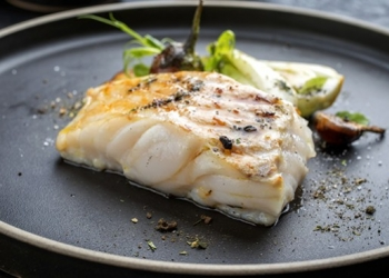 Pavements of cod, blank sauce in the anise