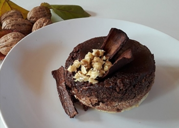 Chocolate and apple fondant, walnuts macerated with RinQuinQuin