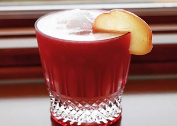 Scottish Peach par Vivian Cromwell, Mixologist @thetipsymuse