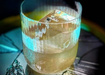 Eye Contact par Mixologist_In_the_Soul